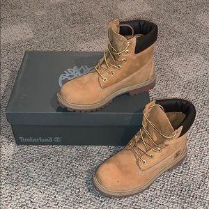 Wheat Timberland Boots / 8Womens